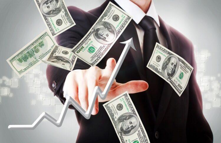 Dólar abre a semana em alta de 0,54% influenciado pelos avanços de casos do novo coronavírus e da negociação do pacote de estímulos nos EUA