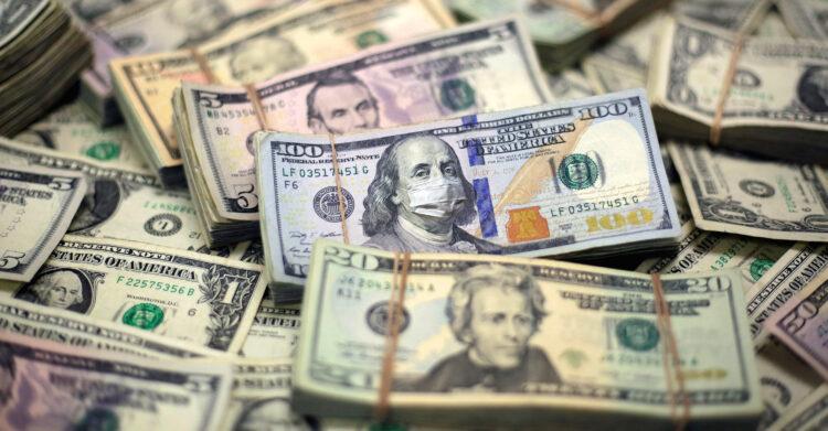Dólar abre o dia em alta de 0,21% com avanço do coronavírus na Europa no radar dos investidores