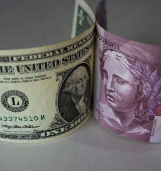 Ibovespa Futuro cresce e dólar cai na manhã desta quarta por conta do cenário político