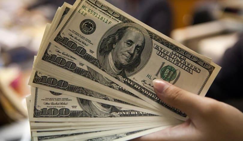 Dólar opera instável na manhã desta quinta-feira com os investidores de olho no pacote de estímulos dos EUA e a discussão sobre a vacina da China