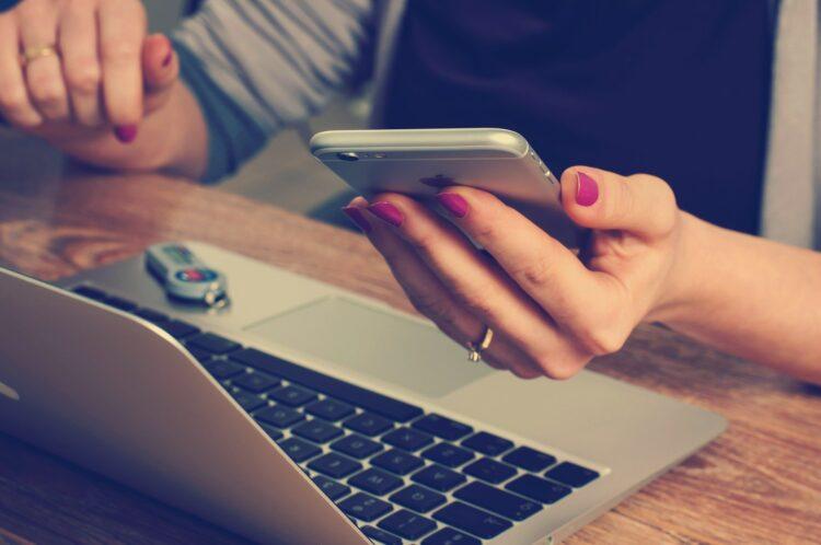 Bom pra Crédito, SuperSim e Brelo oferecem empréstimo com garantia de celular