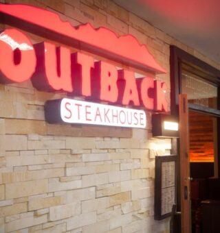 Vagas de emprego: Restaurante Outback seleciona novos funcionários em Minas Gerais