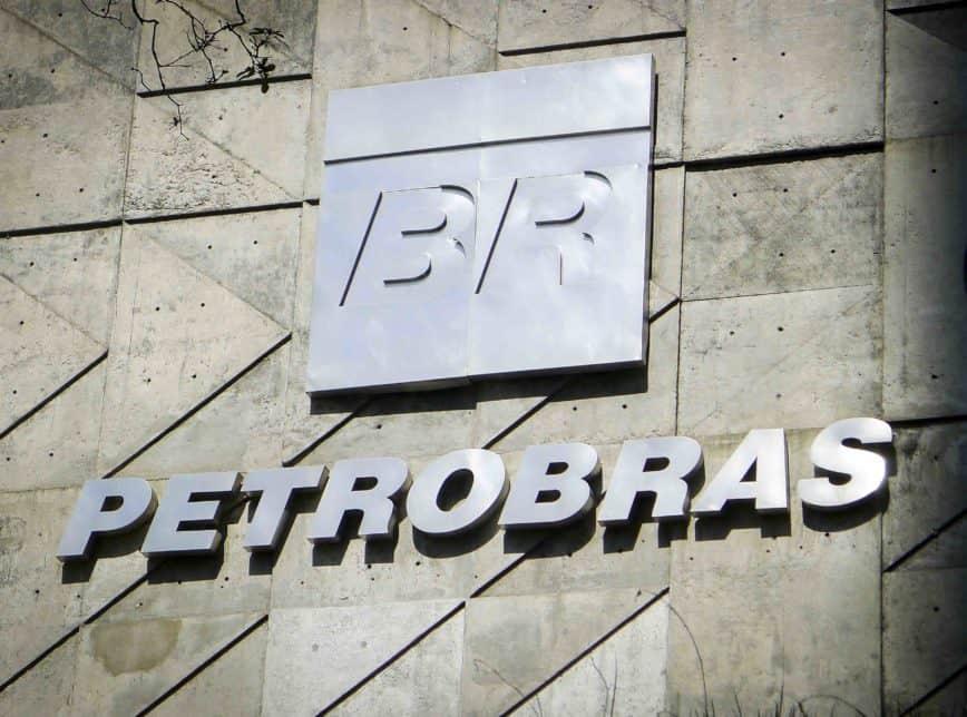 Petrobras pode reduzir pela metade as exportações de petróleo m dezembro por conta do provável aumento de demanda