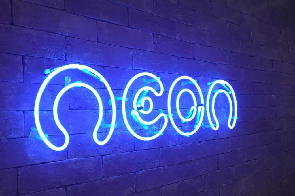 Neon realizar compra da ConsigaMais+ e oferecerá serviço para aposentados, pensionistas e servidores