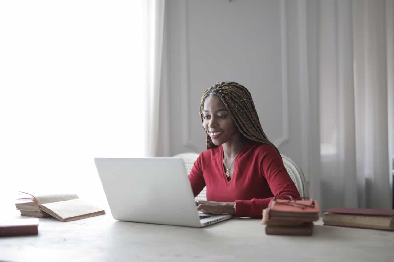 Sites oferecem cursos com até 75% de desconto durante a Black Friday