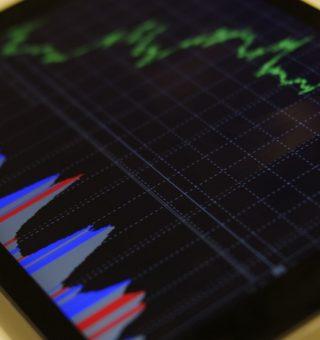 O boletim Focus projeta que a taxa Selic termine o ano em 6,25%