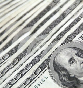 Dólar inicia o dia em queda de 0,05%, sendo negociado a R$5,39