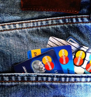 Cartão de crédito do Banco Inter ou do Nubank; qual vale mais à pena?