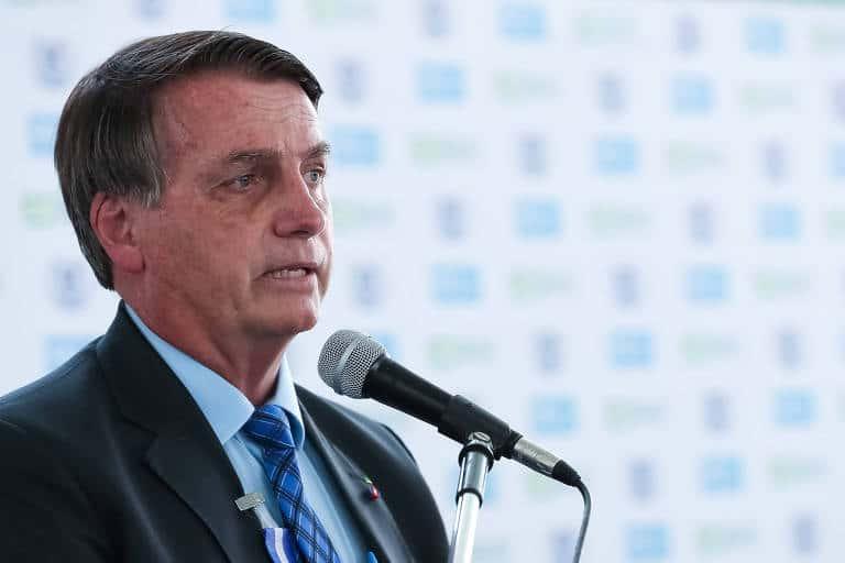 Bolsonaro NEGA 13º salário do Bolsa Família em 2021 e põe a culpa em Rodrigo Maia (Imagem: Marcos Corrêa/PR)