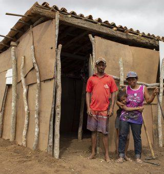Governo de MG prevê alta da pobreza com fim do auxílio emergencial; como viverão os vulneráveis?