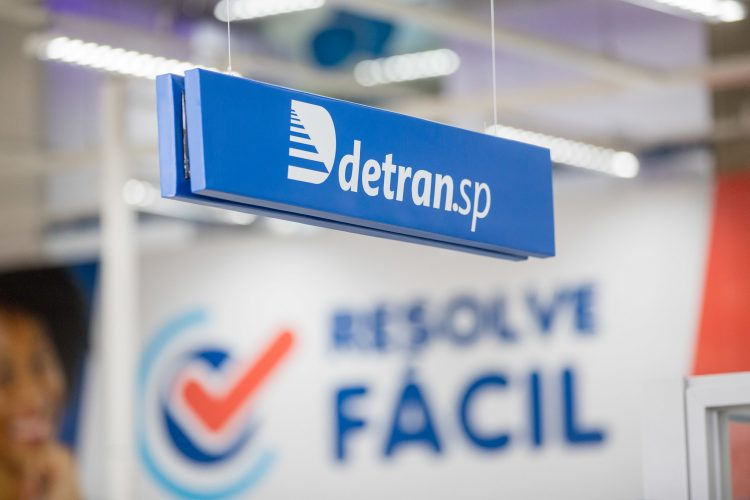 Quem vai receber multa de trânsito represada no Detran-SP?