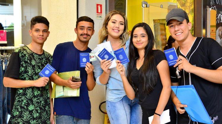 Jovem Aprendiz 2021: Vagas abertas na região Sul do Brasil para jovens e PcD