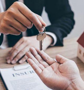 FGTS: Vale a pena usar saldo do benefício para comprar a casa própria?