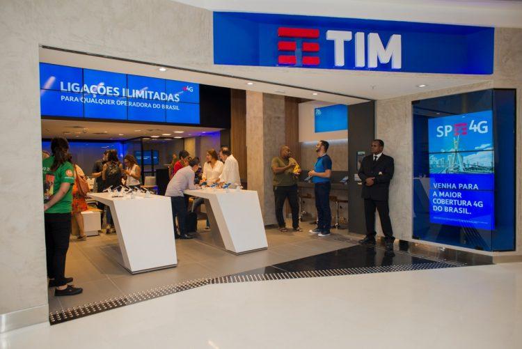 TIM cria promoção de Natal com desconto de R$3 mil em smartphones
