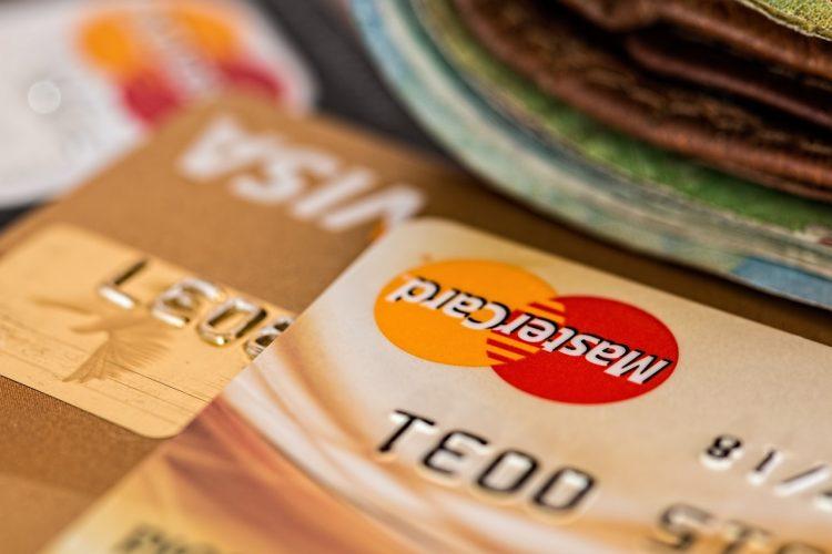 Cartão de crédito para negativos: 5 opções para conseguir um novo limite