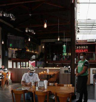 Bares e comércio ficam mais restritos após retrocesso no Plano São Paulo