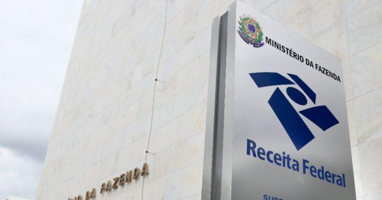 Quem tem renda superior a R$ 10 mil deverá pagar mais no Imposto de Renda
