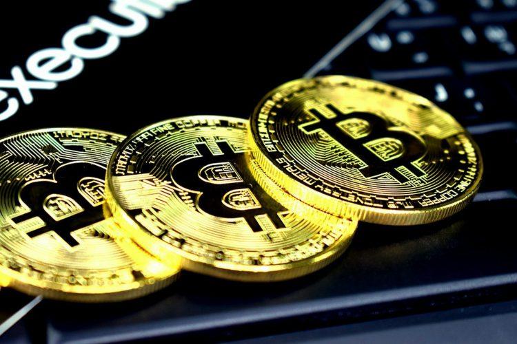 bitcoin acum un an