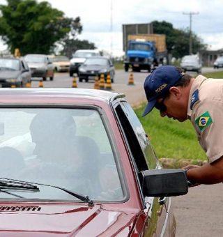 O governo federal espera simplificar os processos com a nova lei de trânsito