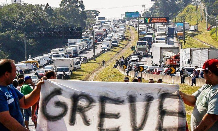 Greve dos caminhoneiros NÃO avança e entidades desistem dos protestos