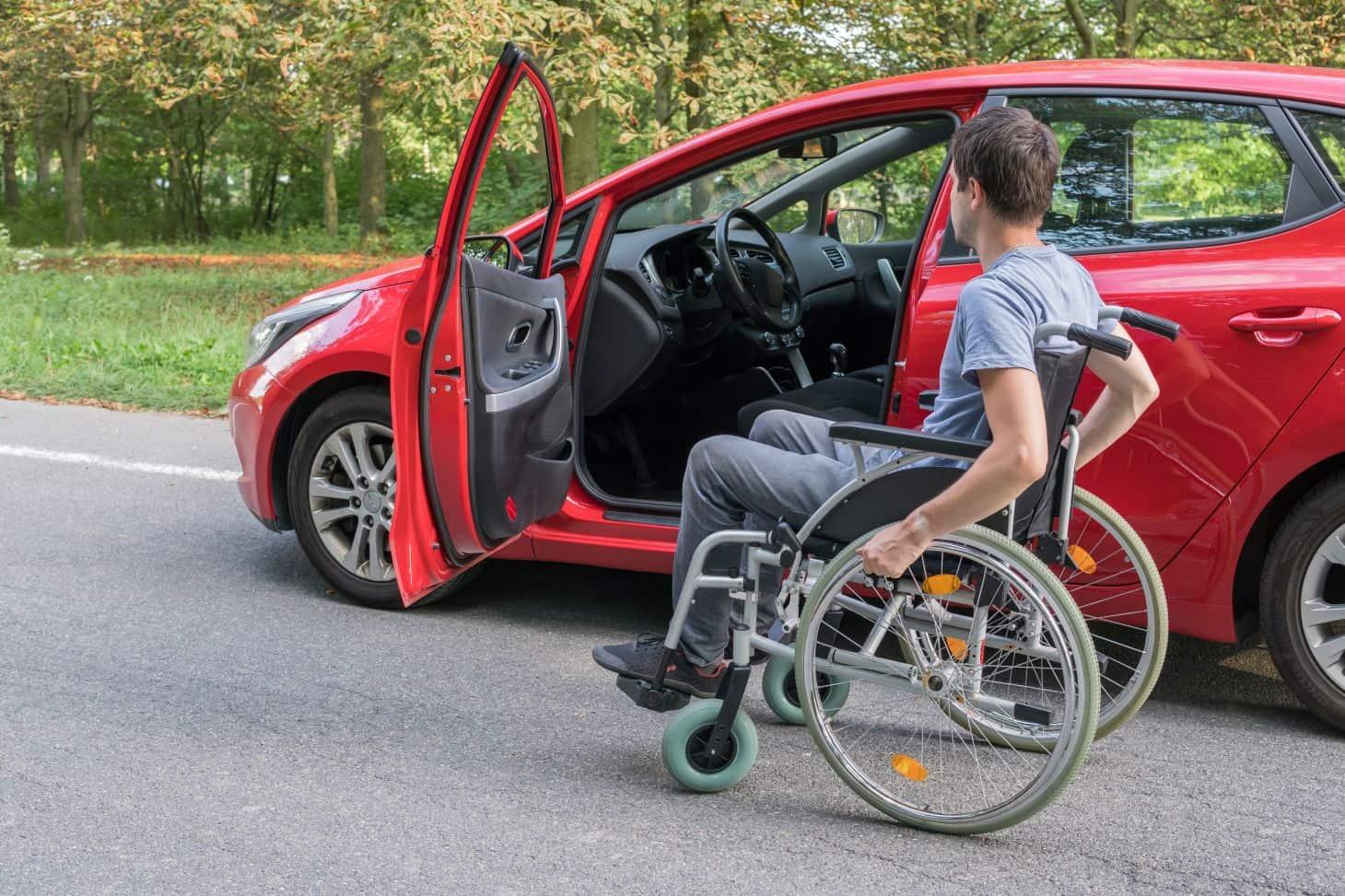 IPVA para pessoas com deficiência está suspenso em SP; o que acontece com quem já pagou?