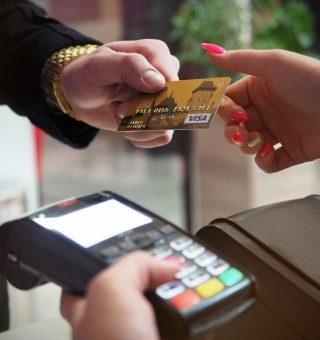 Cartão Extra, Carrefour ou Assaí: Compare e descubra qual o melhor!