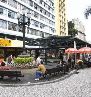 Comércios de Curitiba ganham funcionamento ampliado na bandeira amarela