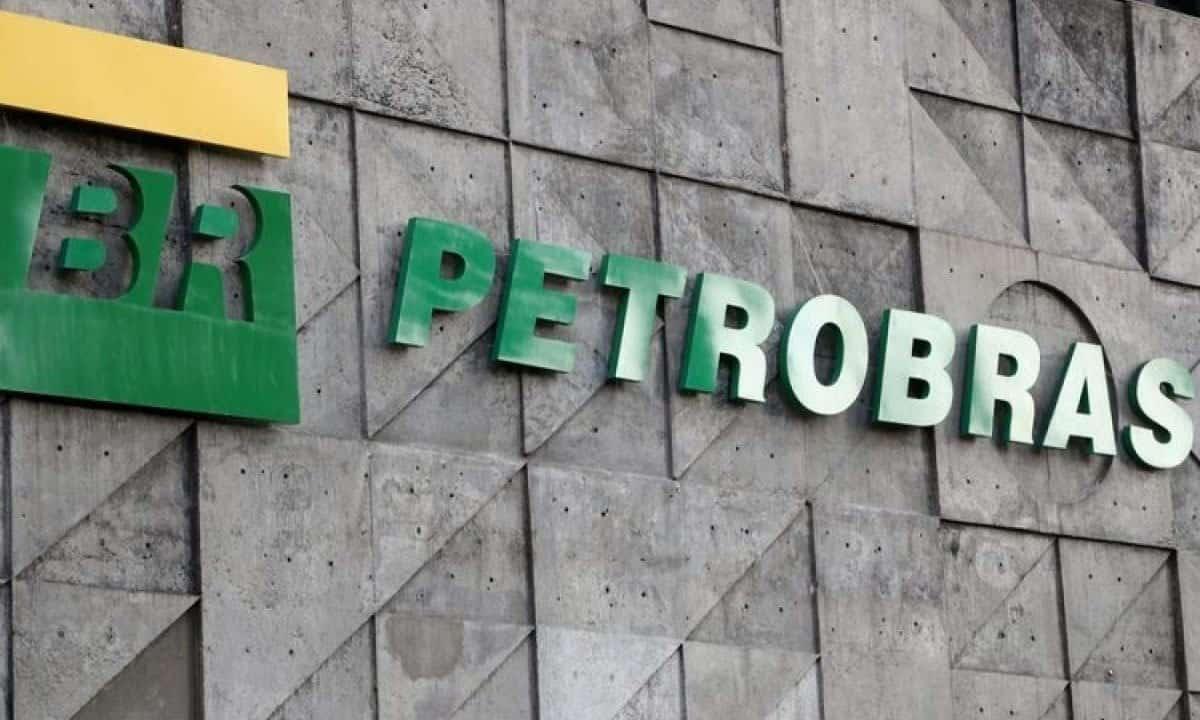 Ações da Petrobras saltam com plano de privatização