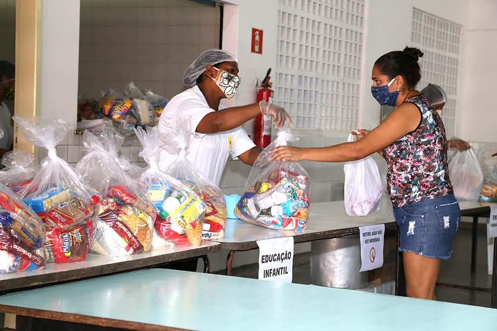 Kits de alimentação escolar serão distribuídos a partir de hoje (2) em Aracaju