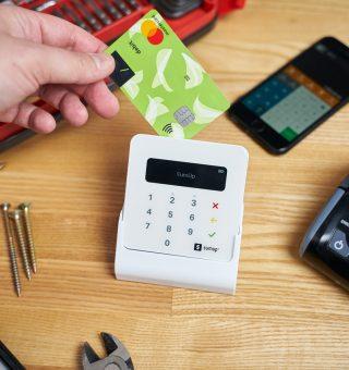 A aquisição de uma maquininha de cartão torna o empreendimento mais prático