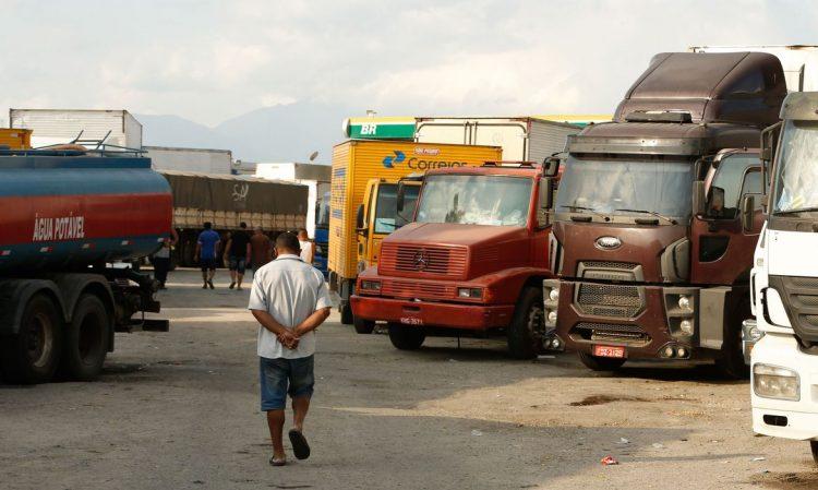 Cadastro aberto para caminhoneiros receberem vacina da COVID-19 em BH
