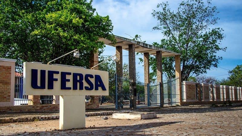 Concurso público da Ufersa lança edital com salário de até R$ 4,1 MIL