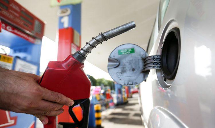 Após 10 anos, abastecer com gasolina está mais vantajoso do que etanol no MT