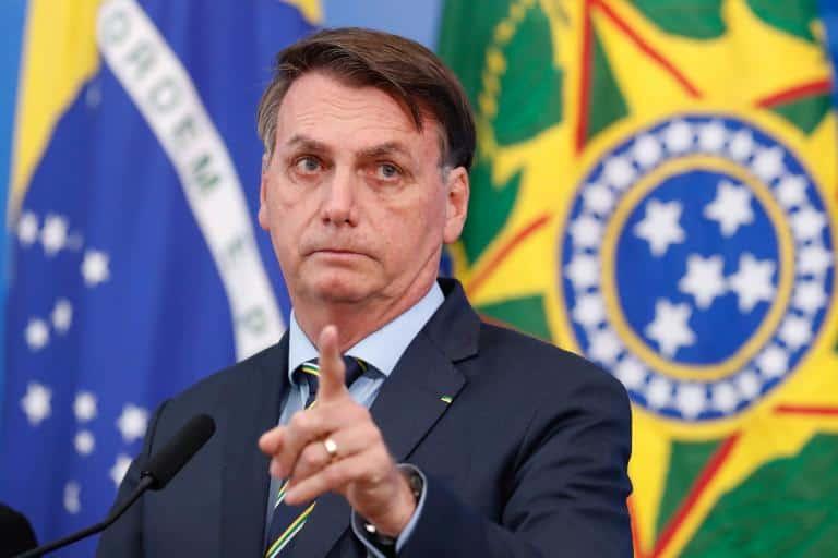 Atrasos no auxílio e alta de mortes por COVID-19, faz reprovação de Bolsonaro crescer (Imagem: Google)