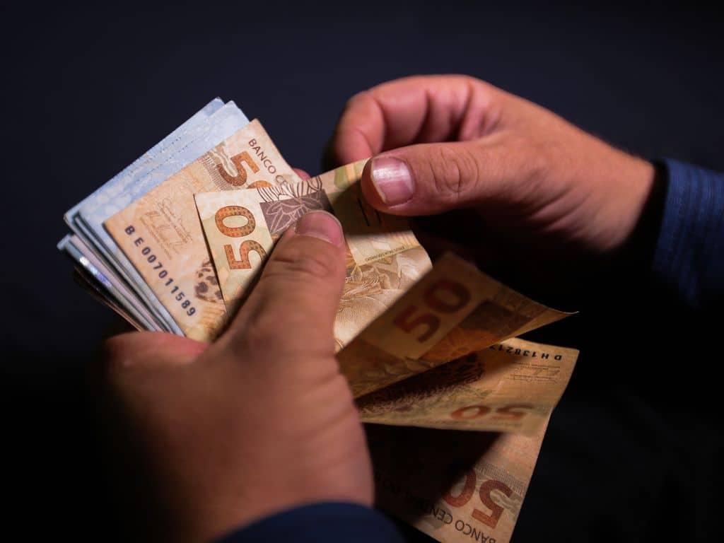 Serasa cria campanha para negociar dívidas após alta de inadimplência