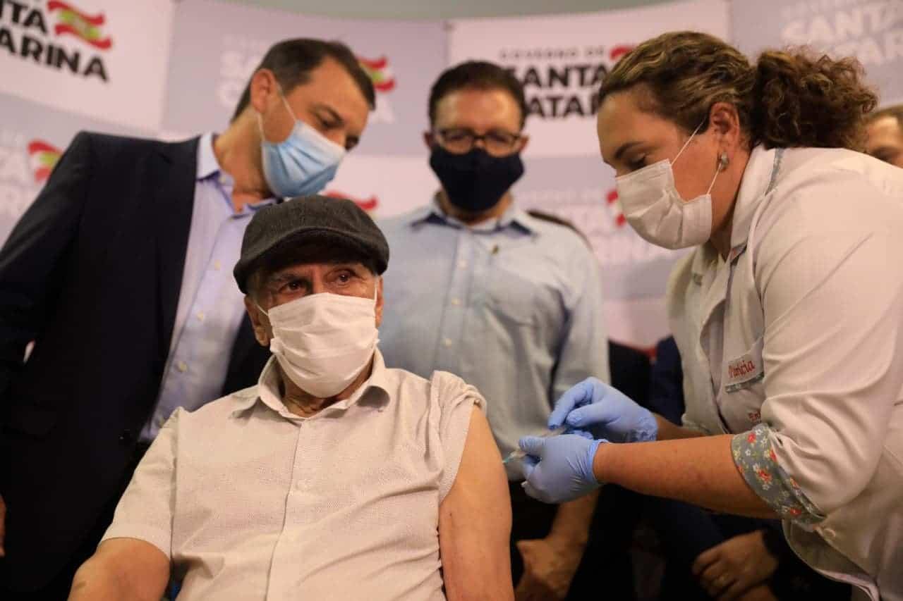 Estados mudam plano de vacinação nacional incluindo novos grupos como prioridade (Imagem: Reprodução/Google)