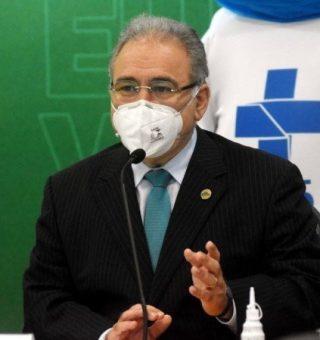 Brasil garante 30,5 milhões de doses da vacina contra a Covid-19, diz Queiroga