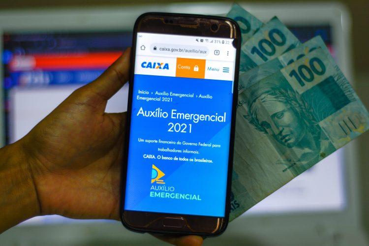 Caixa libera novas parcelas do auxílio emergencial 2021 esta semana; quem recebe?