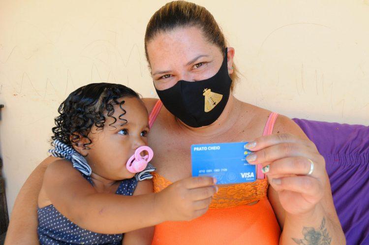 Cartão Prato Cheio com recarga de R$ 250 inicia distribuição no DF