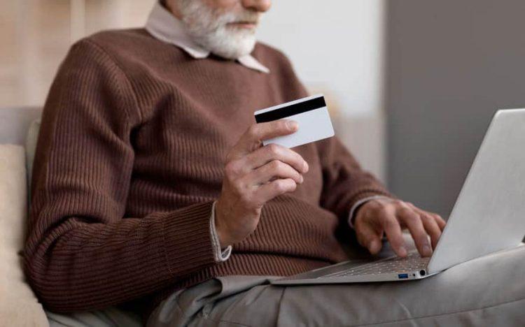Aumentam reclamações sobre fraudes em empréstimo consignado do INSS