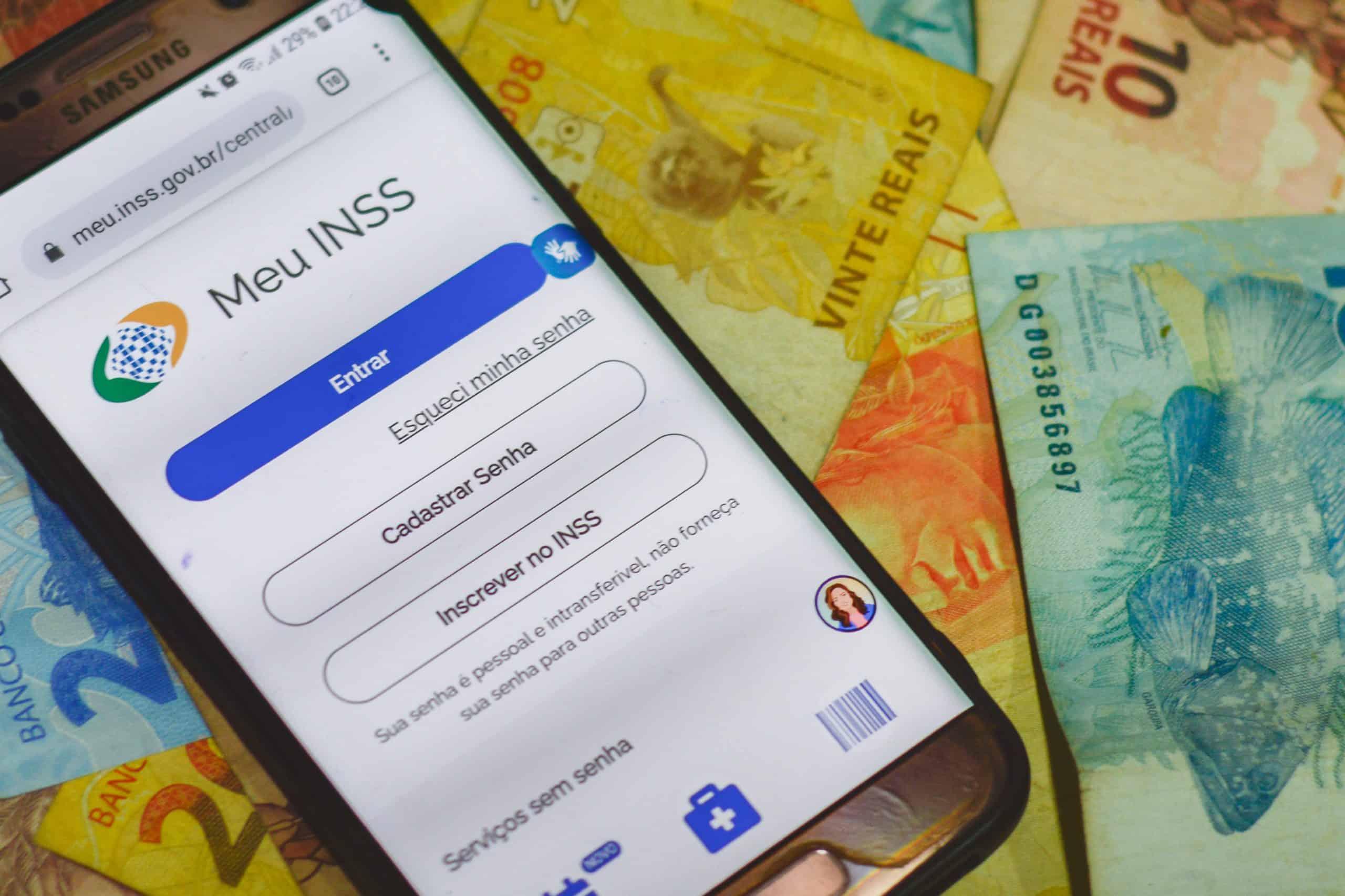 Calendário INSS inicia pagamentos de benefícios acima de 1 salário mínimo (Imagem: Marcos Rocha/ FDR)