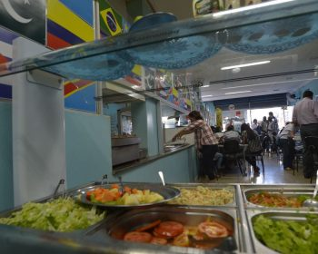 Governador do DF amplia horário de funcionamento para bares e restaurantes