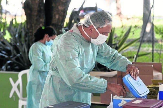 Governador do DF grava data para vacina dos professores e maiores de 39 anos