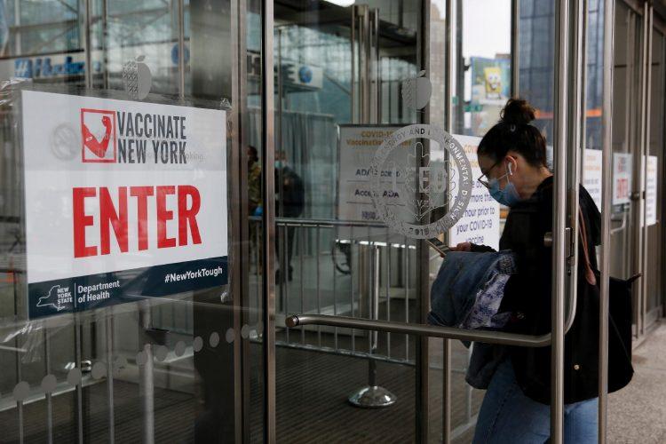 "Prefeito de Nova York anuncia ""turismo da vacina""; como brasileiros podem participar?"