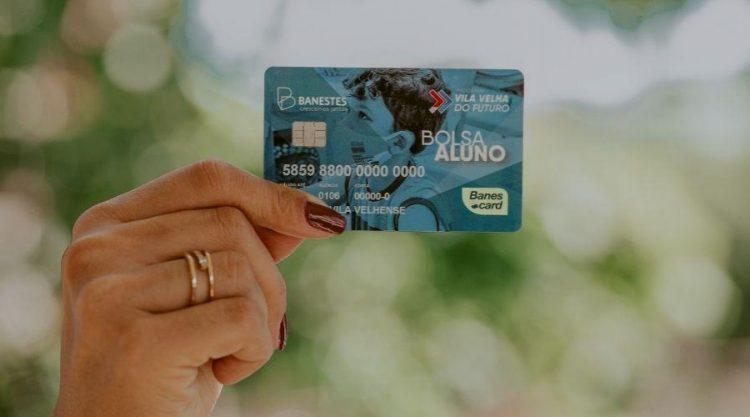 Cartão Bolsa Aluno começa a ser distribuído nesta terça-feira (18)