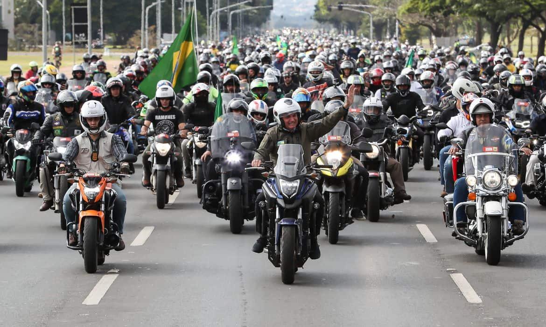 Bolsonaro anuncia que motos ficarão isentas do pagamento de pedágios