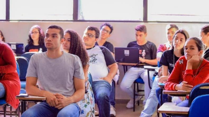 Pré-ENEM 2021 gratuito em São Paulo está com inscrições abertas; inscreva-se!