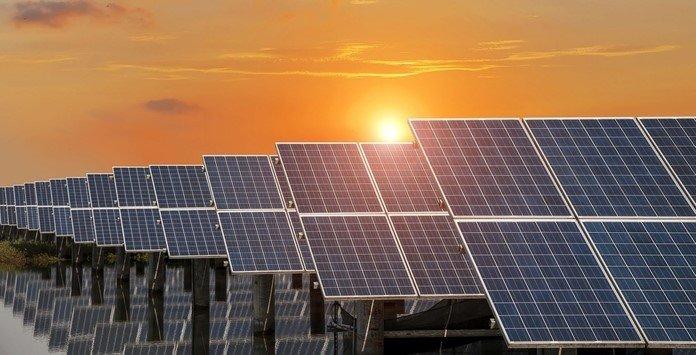 Conta de luz mais cara e apoio ao uso da energia solar é projeto da Câmara
