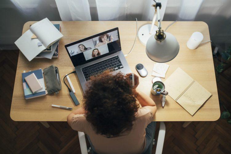 Vagas de trabalho home office: 10 empresas contratam funcionários remotos no Brasil