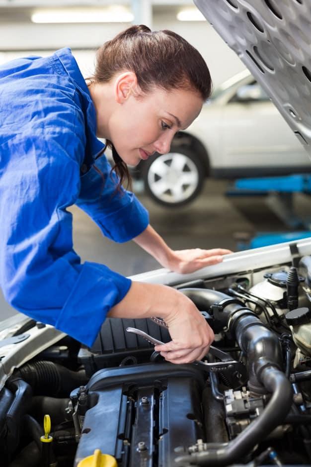 Senai-PE cria vagas em curso de mecânica automotiva para mulheres
